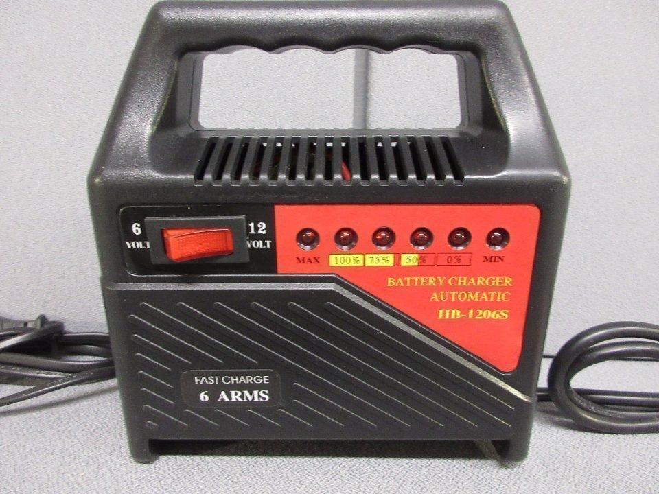 Ladda ett bilbatteri med en batteriladdare
